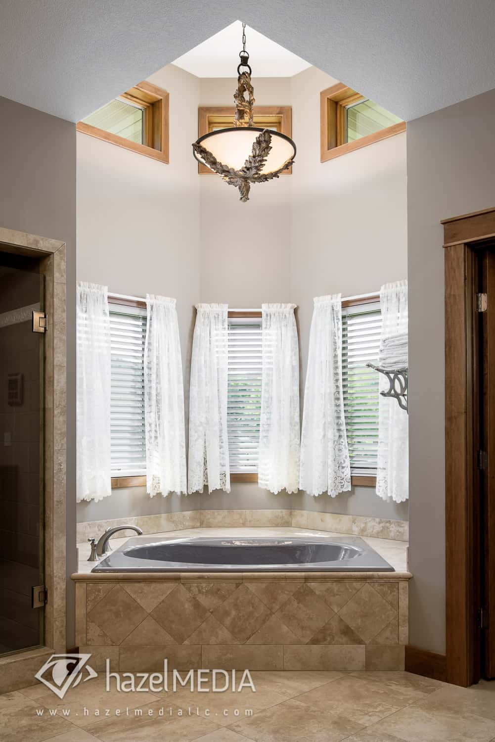 Residential_Bathroom_Bathtub