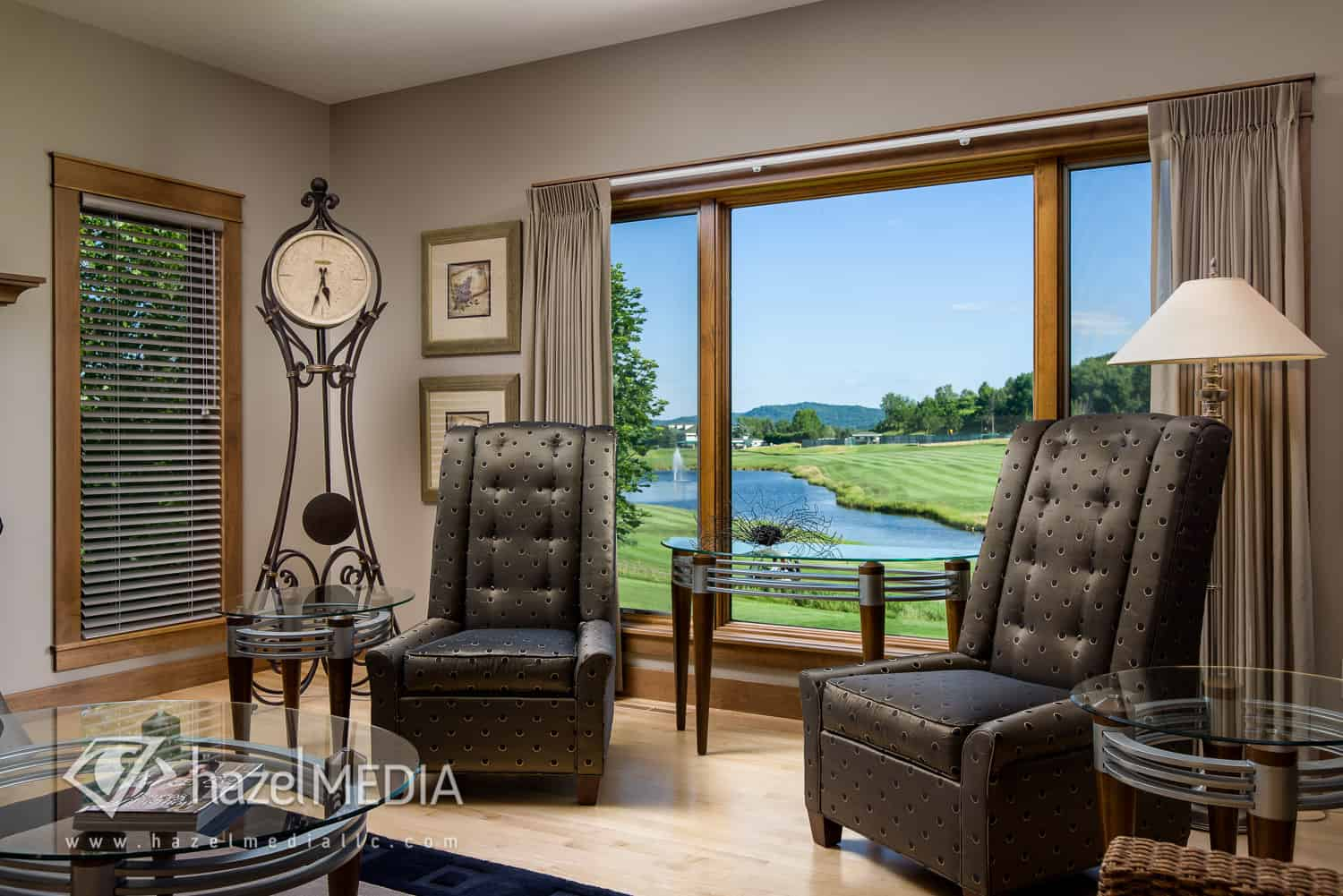 Residential_Livingroom_Golf_Course