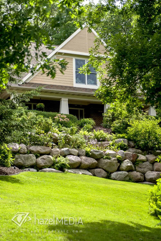 Residential_Boulder_Landscaping