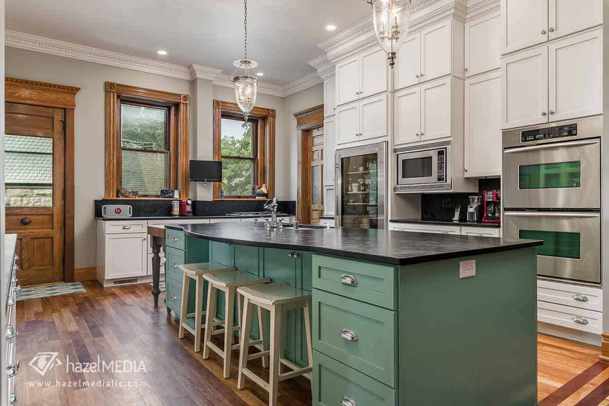 Interior kitchen high ceilings